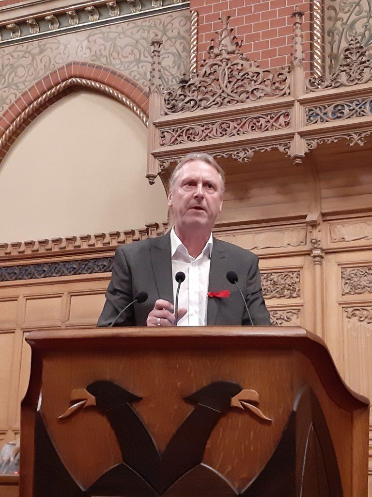 Groteske Symbolpolitik – Stadtpräsidentin entscheidet, die Bürgerschaftssitzung durchzuführen